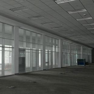 常州工厂装修很简略,随便找个工人刷个墙铺个地板就行了!